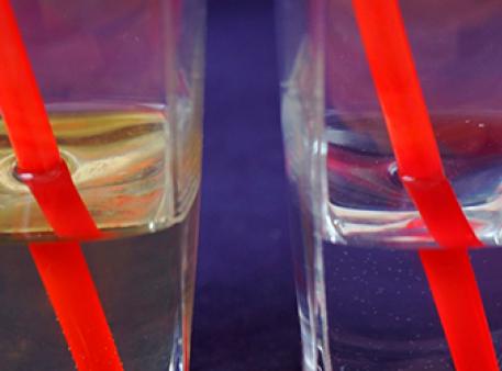 Преломление света: как выглядят предметы в воде