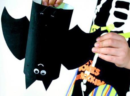 Летучая мышь - интересная игрушка на Хэллоуин