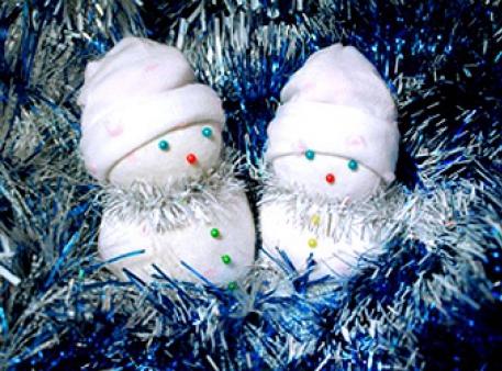 Снеговички - симпатичные игрушки под елку