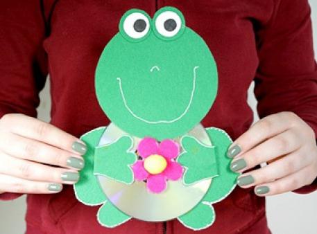Recycled Art: создаем лягушку из вторичного сырья
