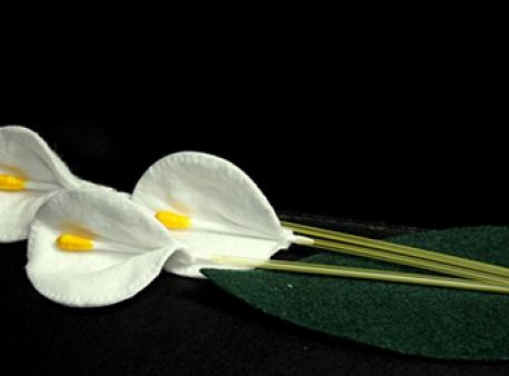 Цветы-каллы из подручных материалов