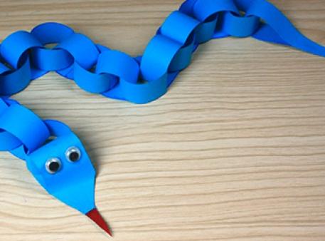 Бумажная змейка - простая детская поделка