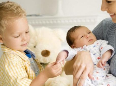 Готовим ребенка к появлению брата или сестры
