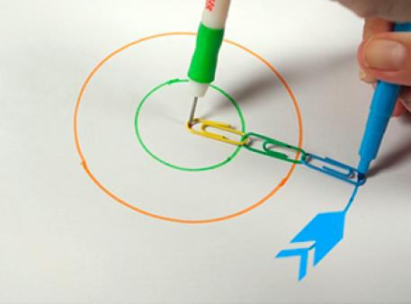 Как начертить круг без циркуля? Возьмите скрепки!