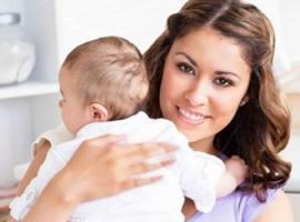 То, как вы держите ребенка, расскажет о вашем характере