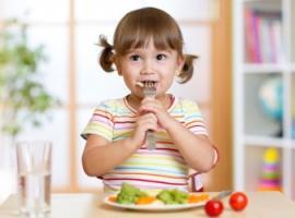Как научить ребенка принципам здорового питания