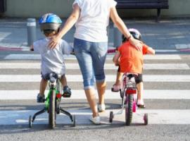 Безопасность детей на дорогах: двенадцать правил