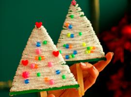 Елка из пряжи: новогодние декорации